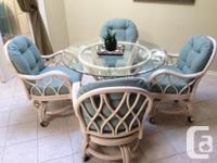 This listing is for a Ruttan dining room set with a