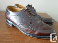 Selling this gorgeous pair of vintage oxford brown