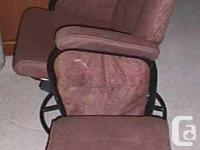 FOR SALE THIS VERY NICE CLEAN USED SWIVEL ROCKER