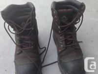 hi there guys am selling this steel toe boots for only
