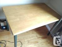 BUREAU IKEA à vendre / IKEA DESK for sale (Dimensions :