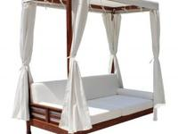 If you want to buy outdoor daybed then Leisure Season