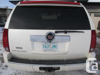 Make Cadillac Model Escalade Year 2007 Colour WHITE