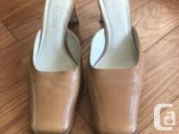 Size 37. Excellent condition. Made in Brazil Camel