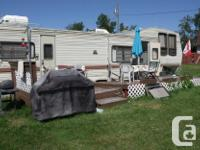 1989 Layton Celebrity 5th wheel, new electric water