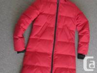 Gorgeous, authentic Canada Goose Parka in like-new