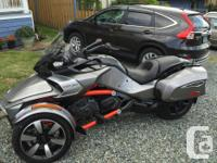 Year 2016 kms 6500 2016 Can Am Spyder. Grey, Black and