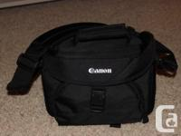 Canon DSLR camera bag. * Brand-new *. Asking $35