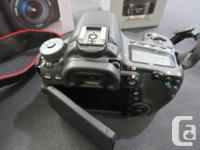 Canon EOS 70D Digital SLR Camera with 18-135mm STM