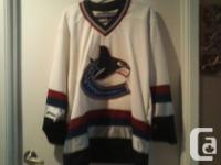 Official Licensed CCM White Canucks jersey, Adult M
