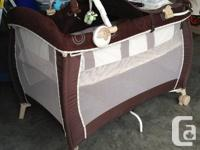 ·  full size fold over bassinet with deluxe fabrics and