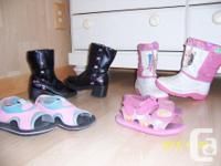 $7.00 for everything. Bottes d'hiver de Barbie size 12