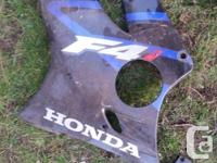 CBR 600 F4i fairings. See pictures. Cosmetic damage to