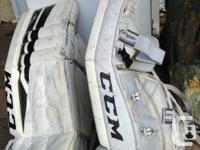 CCM Extreme Flex 760 32+1 black/white goalie pads. Used