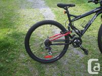 Hardly used, excellent condition mountain bike.