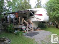 Attractive trailer in excellent condition with all the