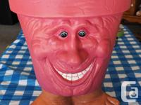-Ceramic Flower Pot in very good condition with on