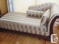 """Classy lounger for your Living Space or Bedroom. 34"""""""