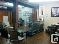 Sq Ft 1500 This charming space has 4 1/2 booths, a