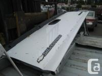 Complete Chevrolet Silverado GMC Sierra Tailgate white