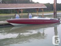 32 foot cigarette style off shore boat. New hi