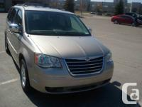 2008 Chrysler Town & Country Touring Stow N Go  7