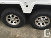This 1999 5 th Wheel is in excellent condition with