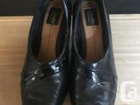 Clarks black leather two-tone pumps for sale - 8.5