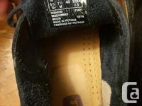 Classic Clarks desert boots in excellent condition. I