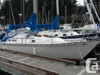 Great family cruiser and racer. - 6 berth (vee double,