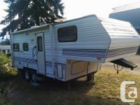 1998 Wanderer fifth wheel trailer 24 foot sleeps 6