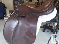 Cliff Barnsby saddle with knee rolls and blocks 17.5""