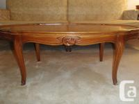 Beautiful 4 piece matching table collection, Solid