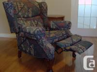 This very comfortable 3 way recliner is ideal for any