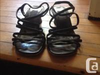 Beautiful & stylish italian made sandals. Low heels