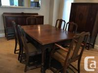 Complete mahogany dining room set includes hutch,