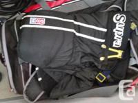 Complete set of hockey gear in men's size M. CCM -