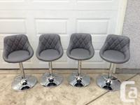 4 Brand brand-new leather with tufted back bar stools