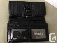 Offering a brand-new in box Hunch wallet. Bought for
