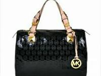 Brand-new Michael Kors bags Minimal amount available!