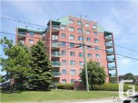 Beautiful condo located in the 6th floor stunning
