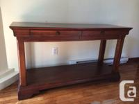 Good condition console table for sale. 2 drawers. Ideal