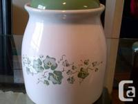 This is a ceramic cookie jar With Airtight Lid [ 131