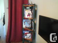 Corner 5 Shelves Library , 160cm / 63'' h in excellent