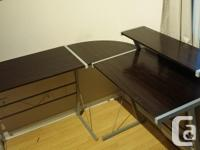 Excellent condition, in 3 parts, easy to assemble. Will