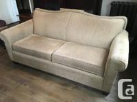Londonderry couch in excellent condition, new high