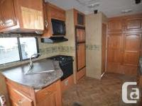 2008 Keystone Cougar fifth wheel 289 BHS in excellent