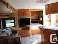 This immaculately maintained 32 foot Bunk House Double
