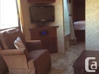 2012 Cougar V-lite travel trailer 30ft In very good