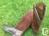 Ladies, size 8 1/2, Boulet Canada. leather lowers and